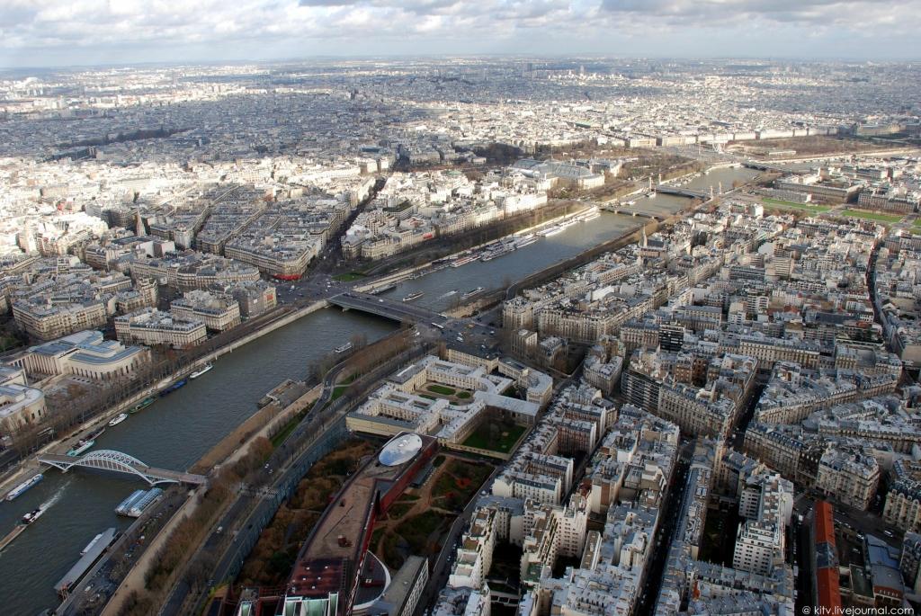 23. Панорама северо-восточной части Парижа.