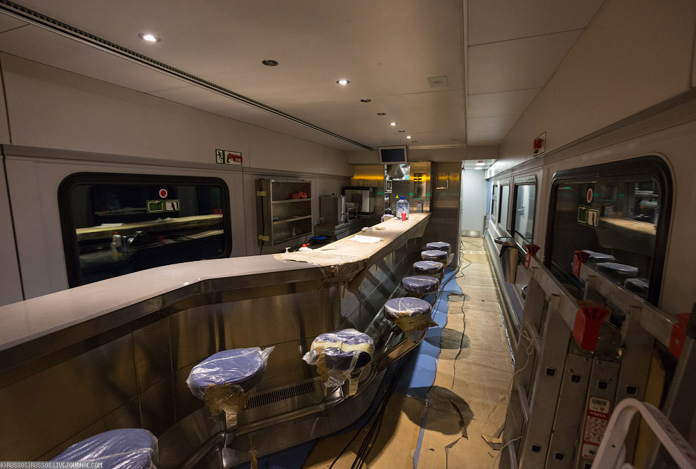 5. И командный центр испытаний — будущий вагон ресторан. Сейчас сюда стекается вся информация с датч