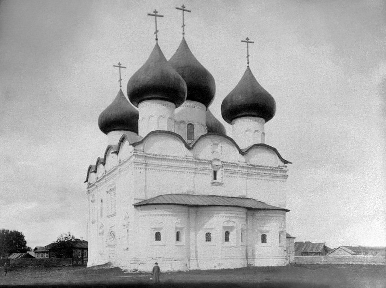 Воскресенская церковь, вид с юго-востока