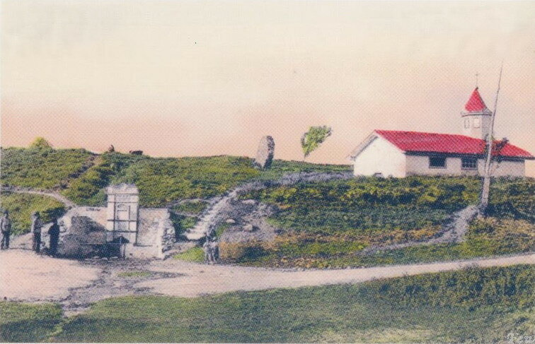 Фонтан у церкви Святой Анны, фото начала XX века, Старый Крым