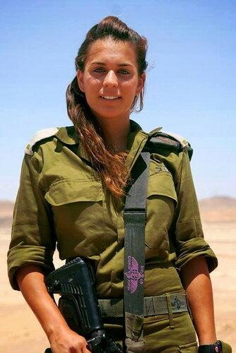 0 179df9 d924e723 L - В израильской армии есть, на что посмотреть