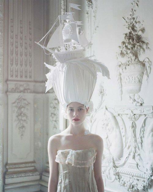 0 17add0 b2b00730 XL - Бумажные парики Аси Козиной в стиле барокко