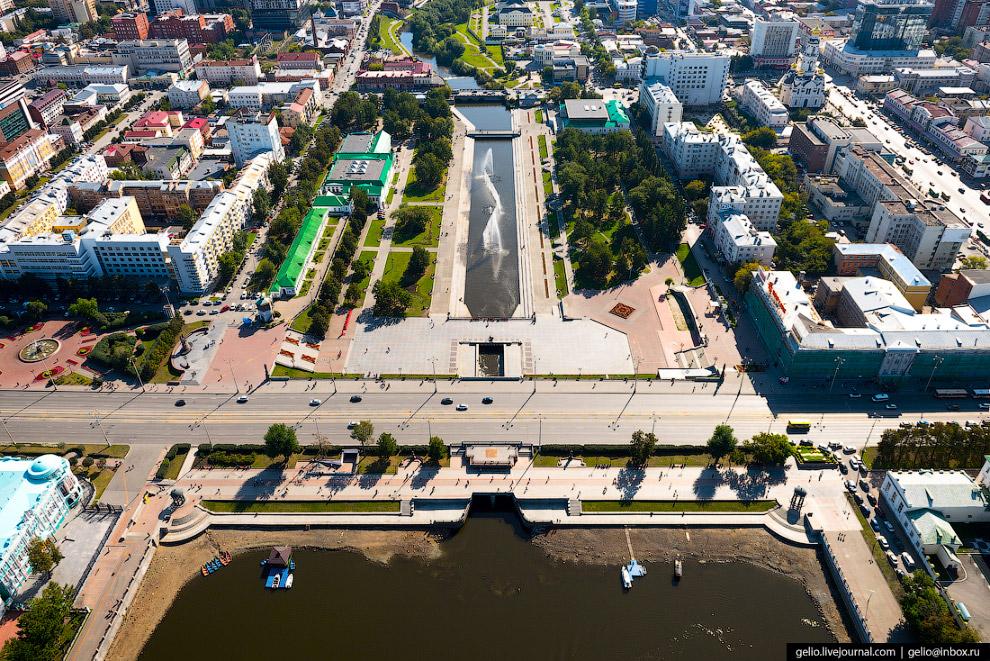 6. Вокзал Екатеринбург-Пассажирский. Самый крупный в стране после московских и петербургских вокзало