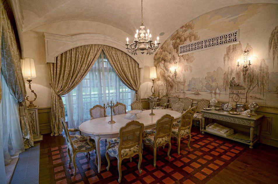 Дорого и очень сердито: на Рублевке продается дом за 3 миллиарда рублей (7 фото)