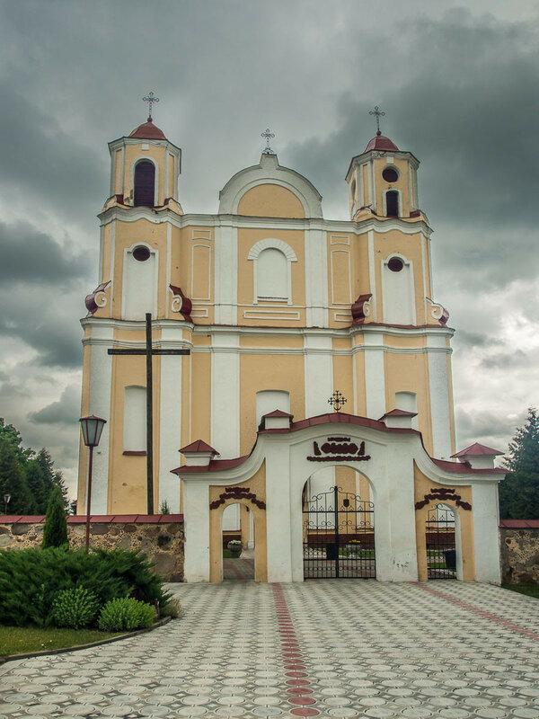 Есть костёл и в самих Василишках (ок. 1769 г.)