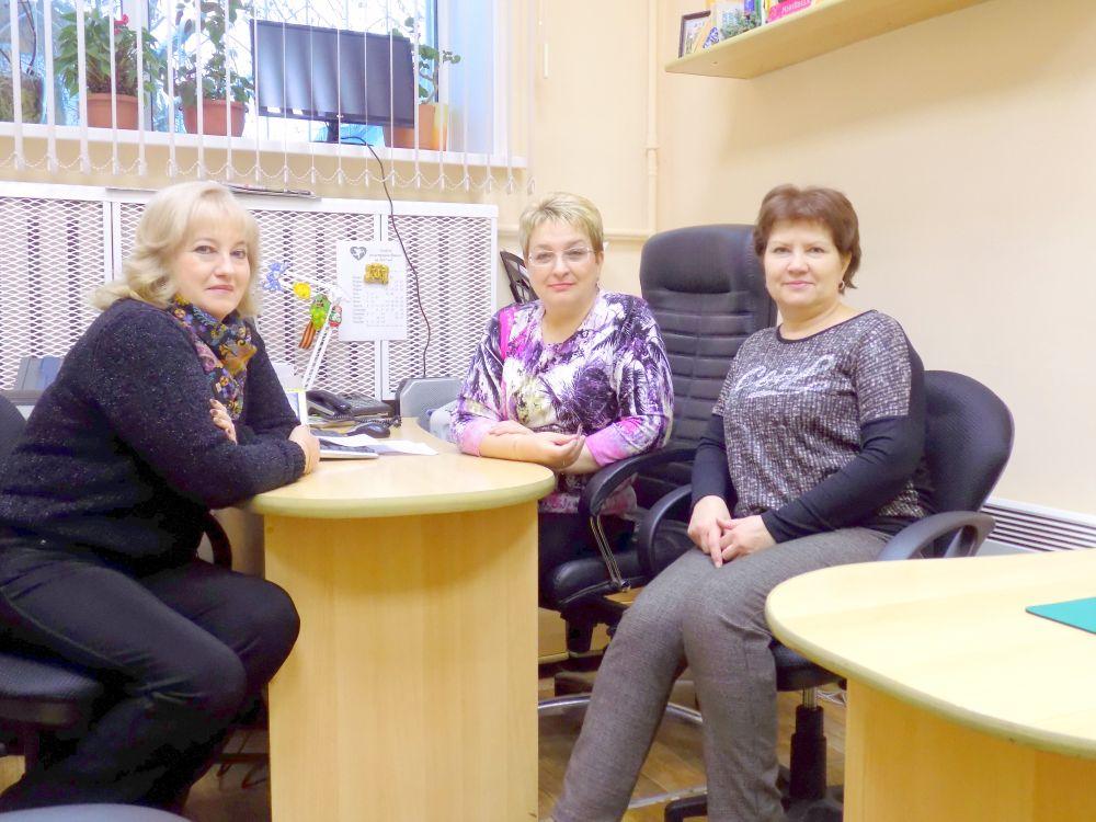 Сотрудники ЗАГСа: Марина Панкова, Лариса Федотова и Анна Медведева