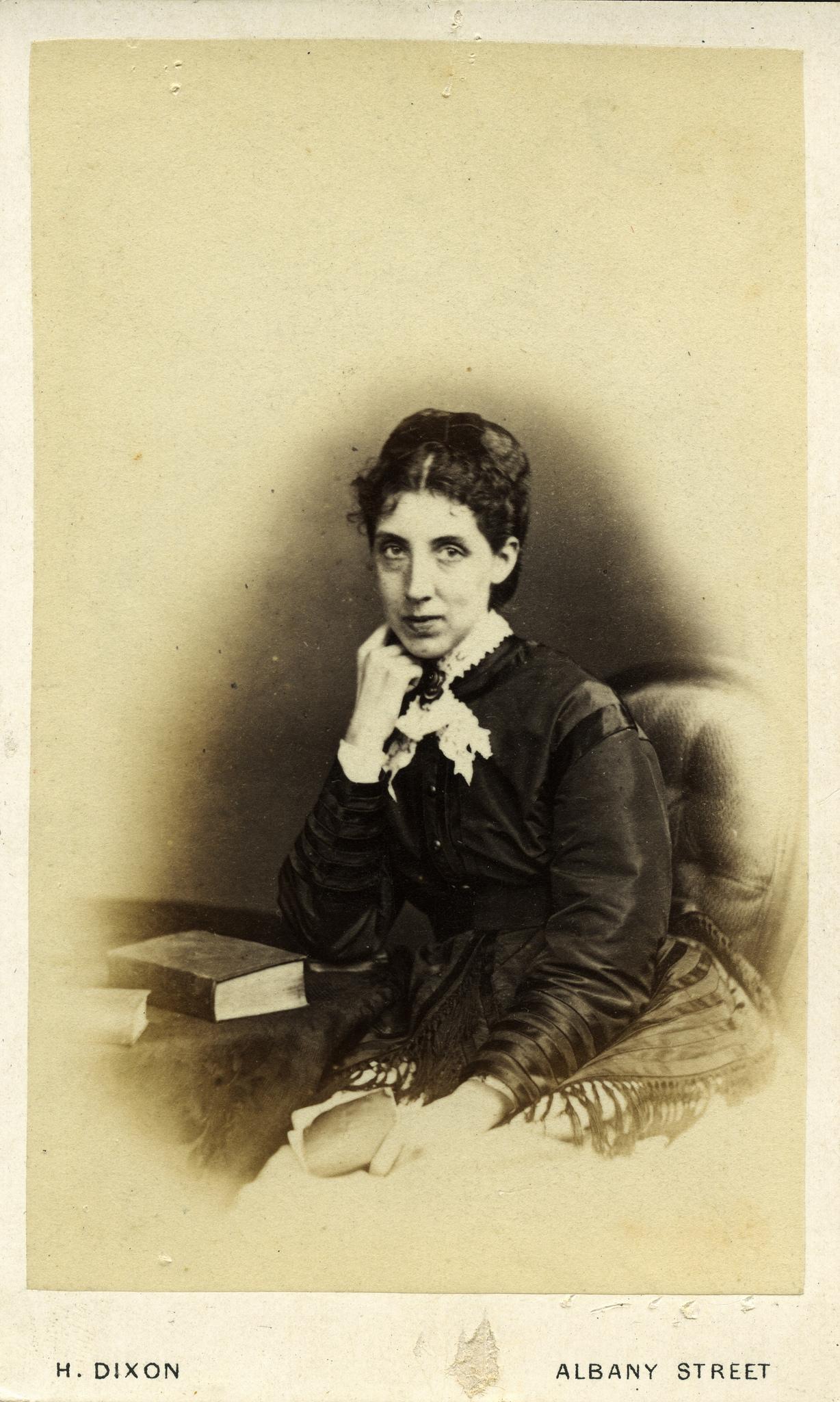 1865. Неизвестная женщина