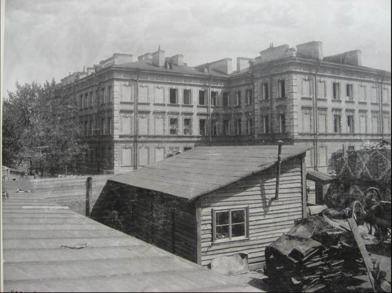 07. Разборка офицерского флигеля Лейб-Гвардии Семеновского полка. 1901