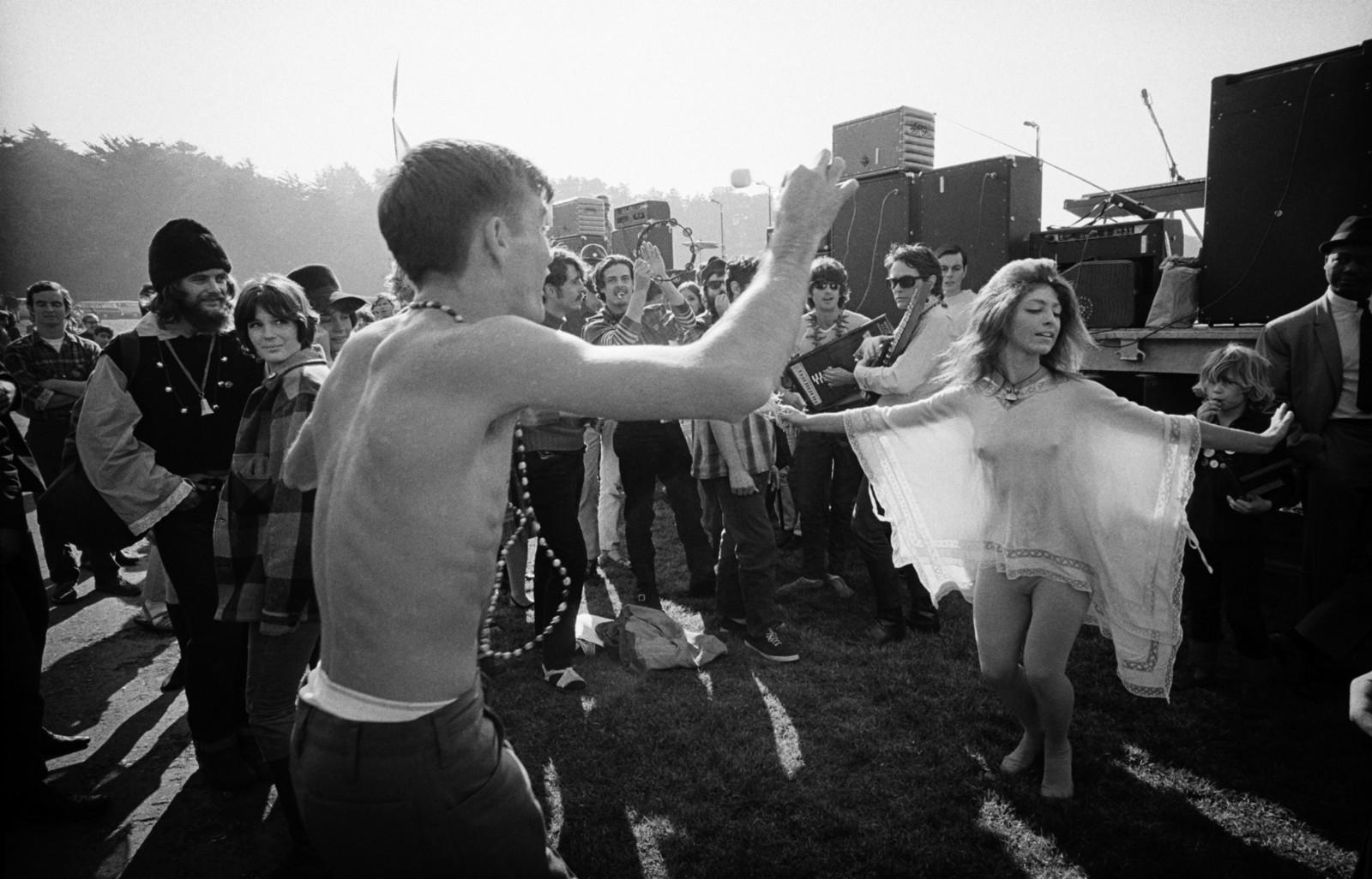 1967. Танцующие хиппи. Парк «Золоты́е воро́та», 14 января