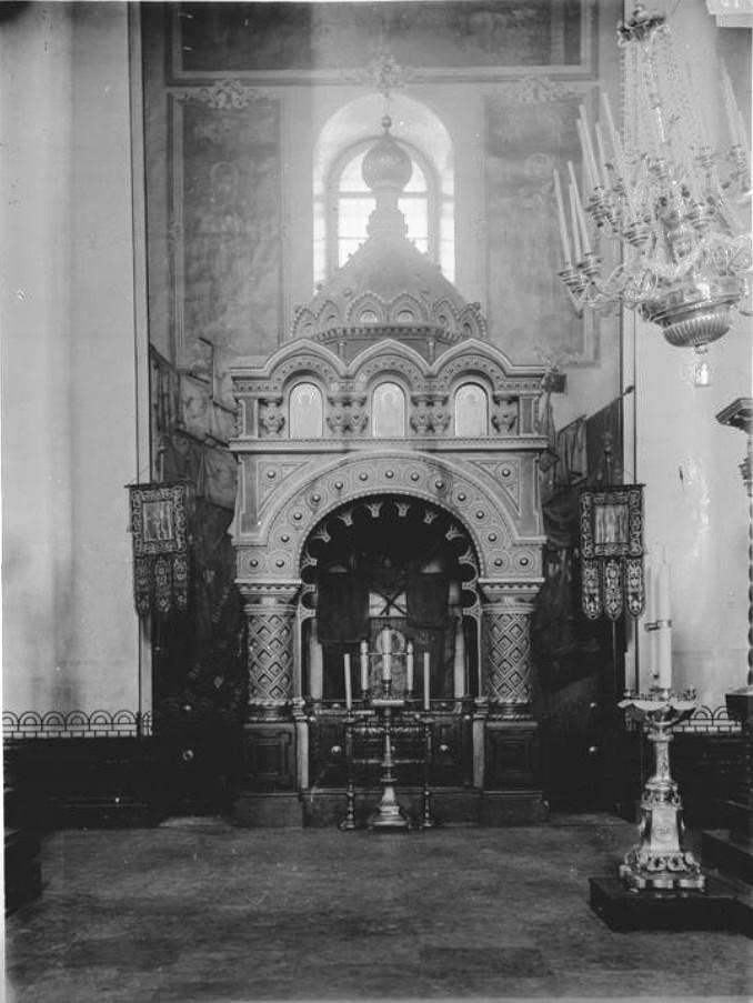 Внутренний вид Спасо-Преображенского Кафедрального собора. Гробница Козьмы Минина