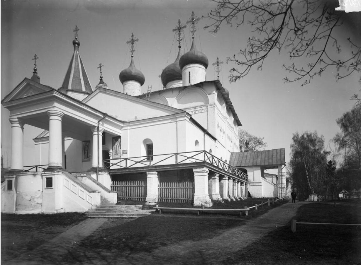 Печерский монастырь. Внешний вид Вознесенского собора