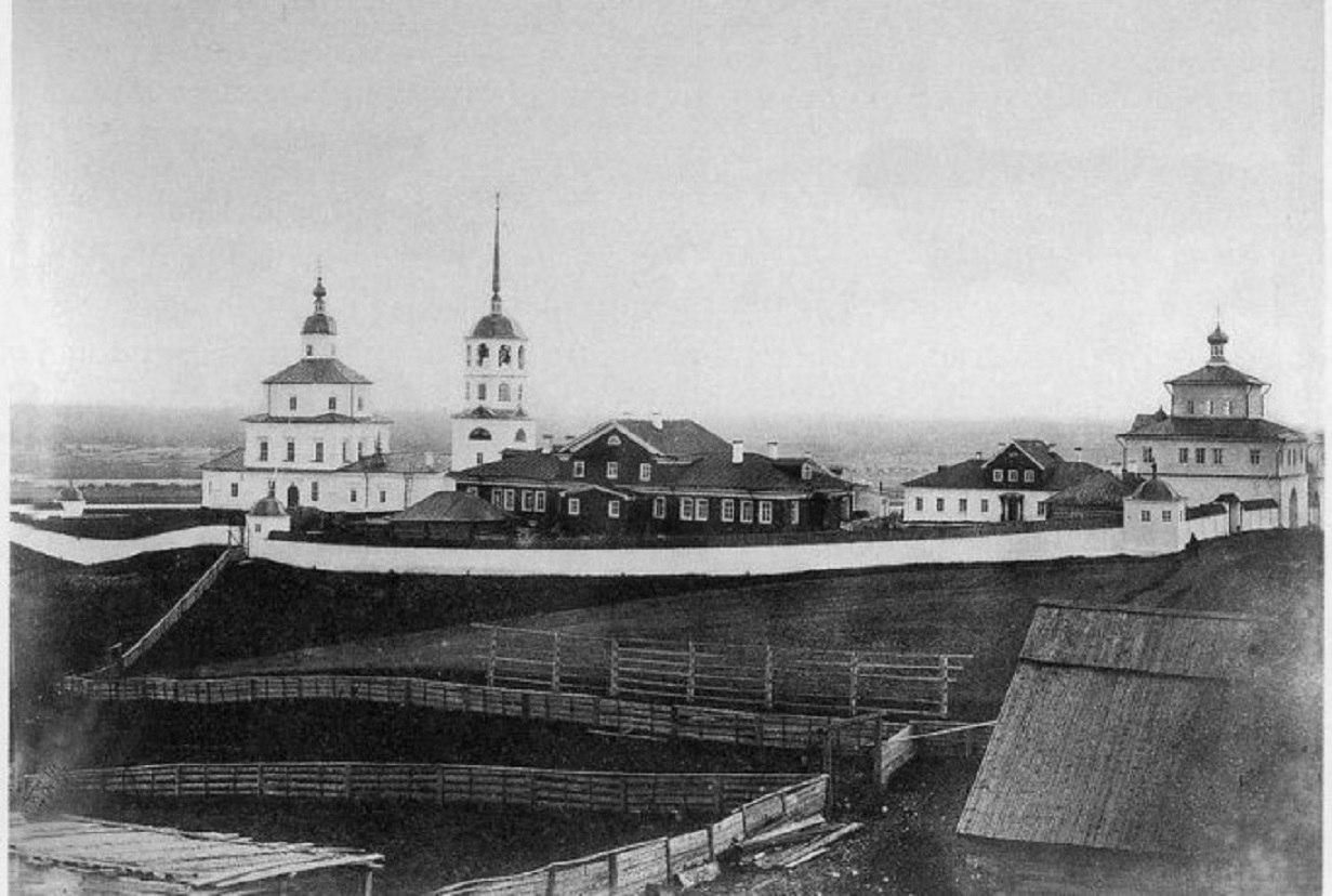 Окрестности Пинеги. Красногорский Богородицкий монастырь