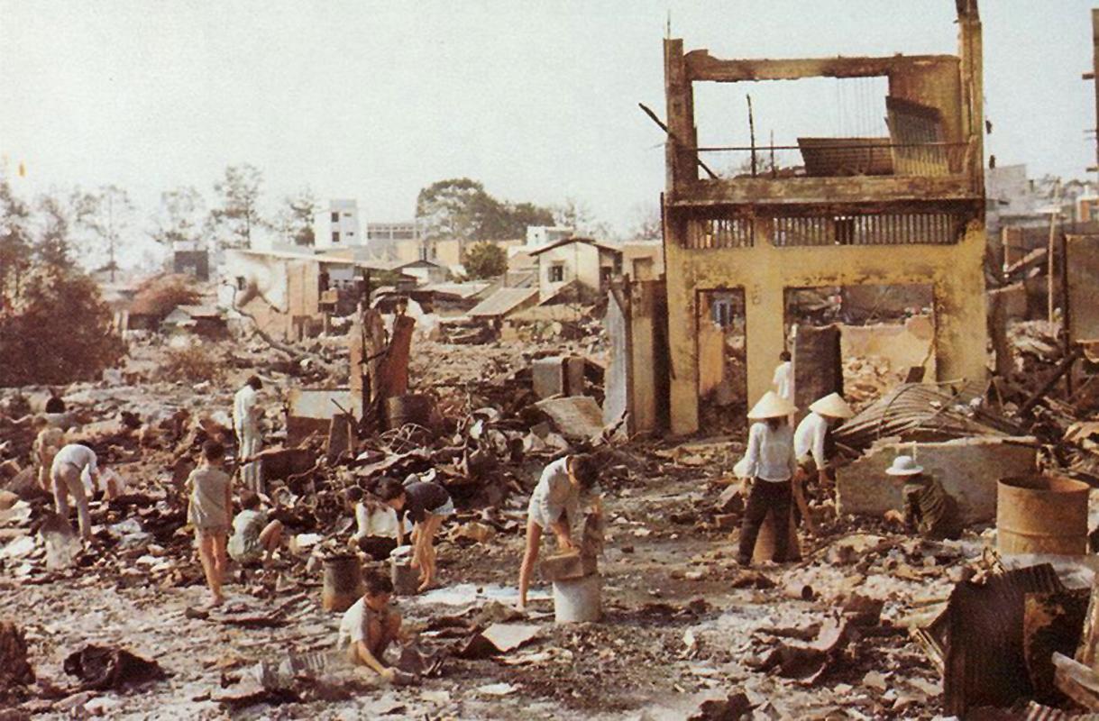 Район Тёлон после того, как большая часть боёв закончилась