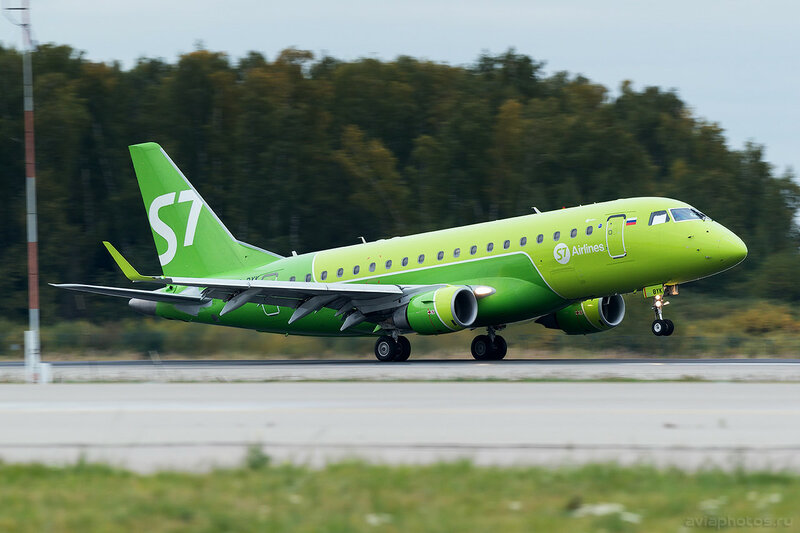 Embraer 170-100SU (VQ-BYK) S7 0298_D805627a