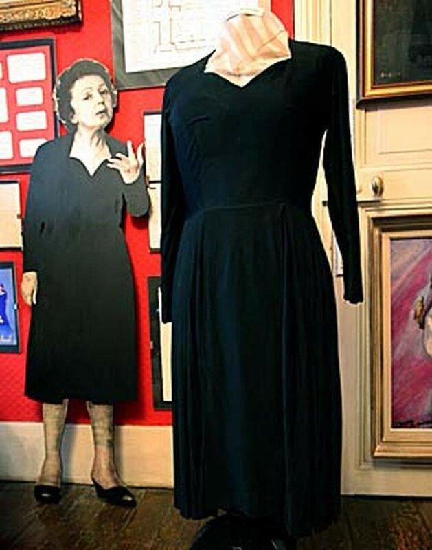 Travel Trip Edith Piaf's Paris