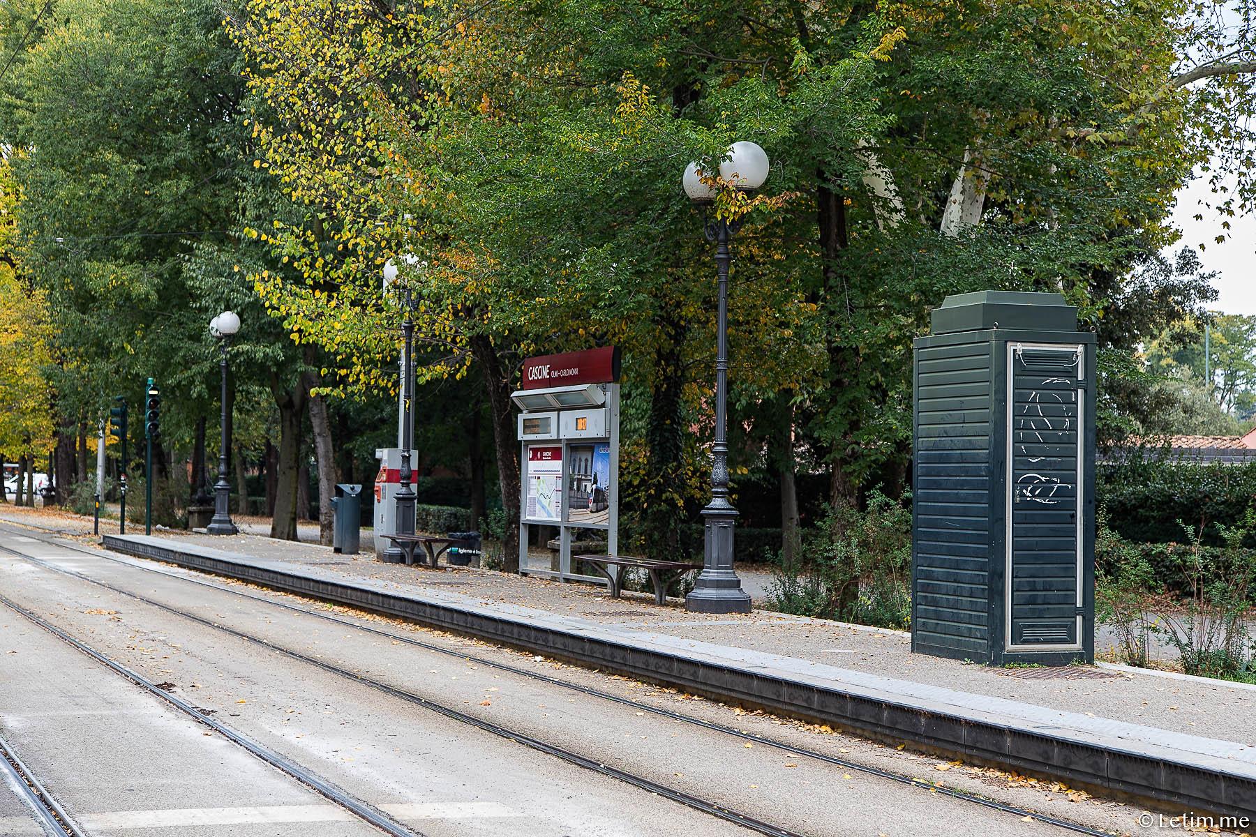 Трамвайная остановка во Флоренции