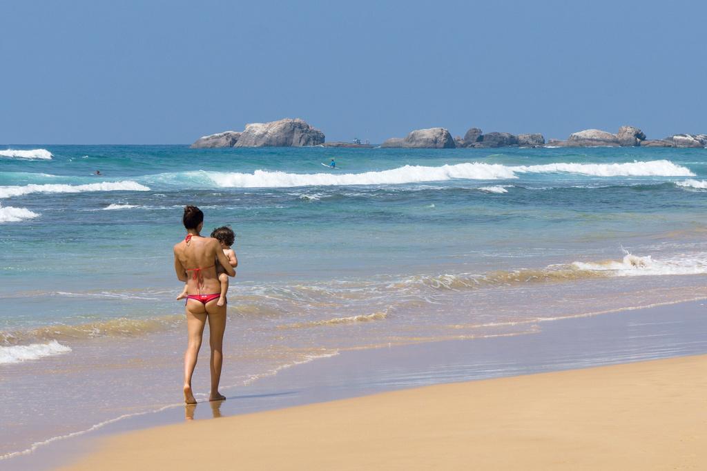 Шри-Ланка: пляжи Велигама и Хиккадува