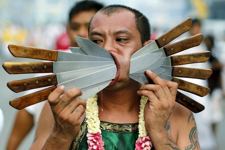 Шокирующие ритуалы разных стран