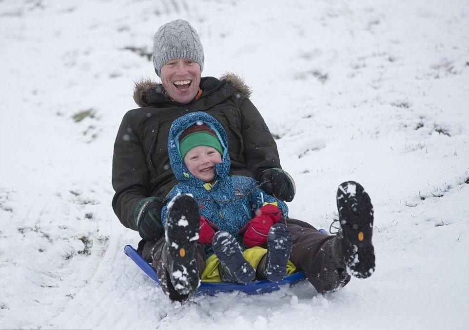 Хаос на дорогах Великобритании: температура опустилась до -4С