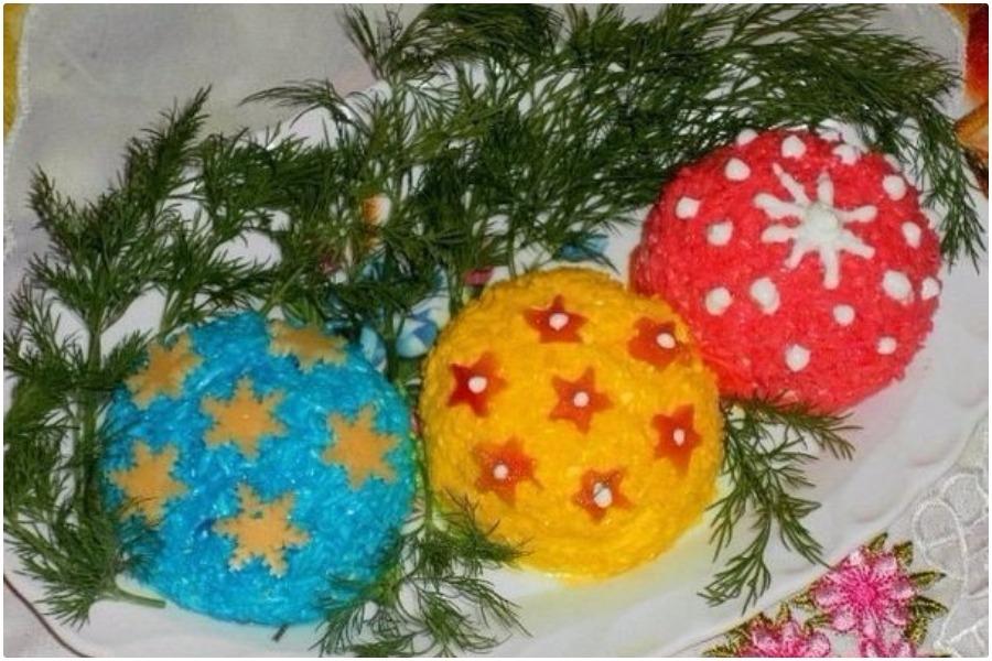 Салат «Новогодние шары» с курицей