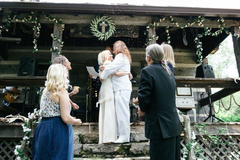 0 17b108 4534938a XL - Купить свадебное платье или взять напрокат?