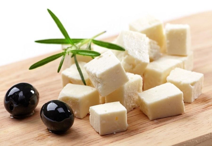 3. Обращайте внимание на то, из чего сделан ваш сыр. Мы живем во время, когда технологии продвигаютс