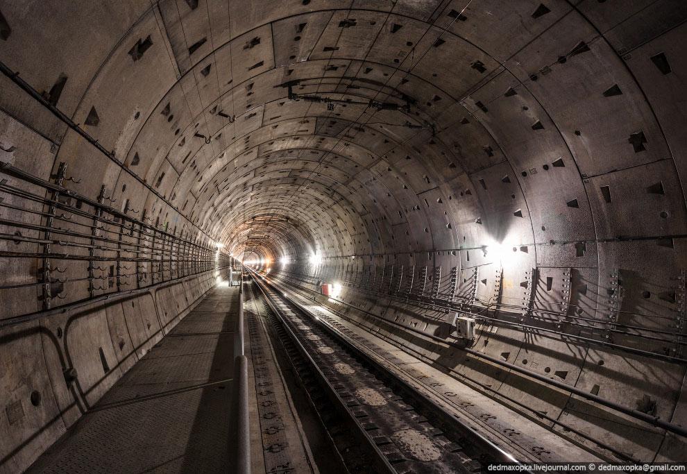 Эвакуационный выход из тоннеля: