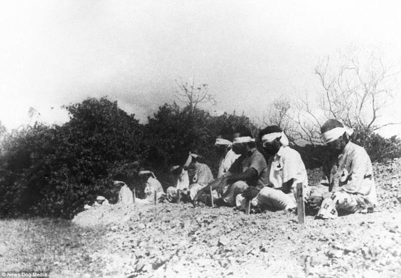 В 1942 году японский генерал Томоюки Ямасита захватил Сингапур, победив британцев. В плену оказались