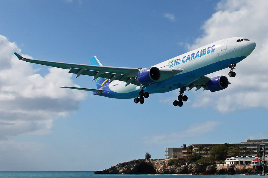 A-330_F-OFDF_Air_Caraibes_Atlantique_6_SXM_for__zpsce6dbbff.JPG