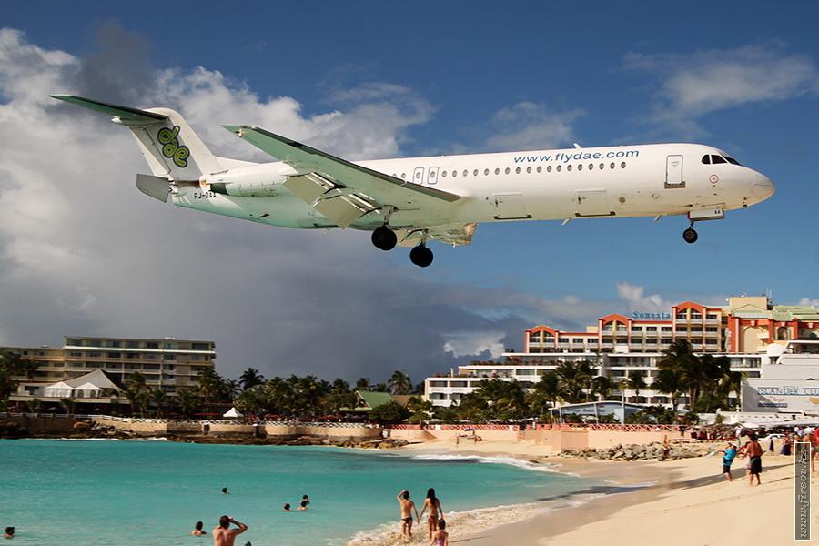 Fokker_100_PJ-DAA_Dutch_Antilles_Express_3_SXM_for_zps5f7ca72a.JPG
