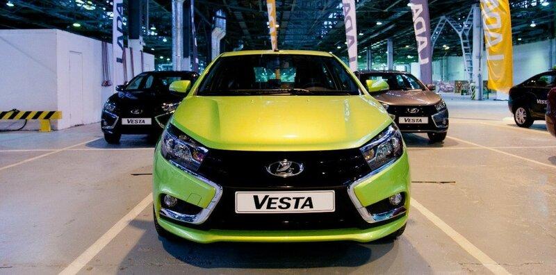 Lada Vesta, лидер ТОП-10 самых популярных автомобилей класса-C, в России