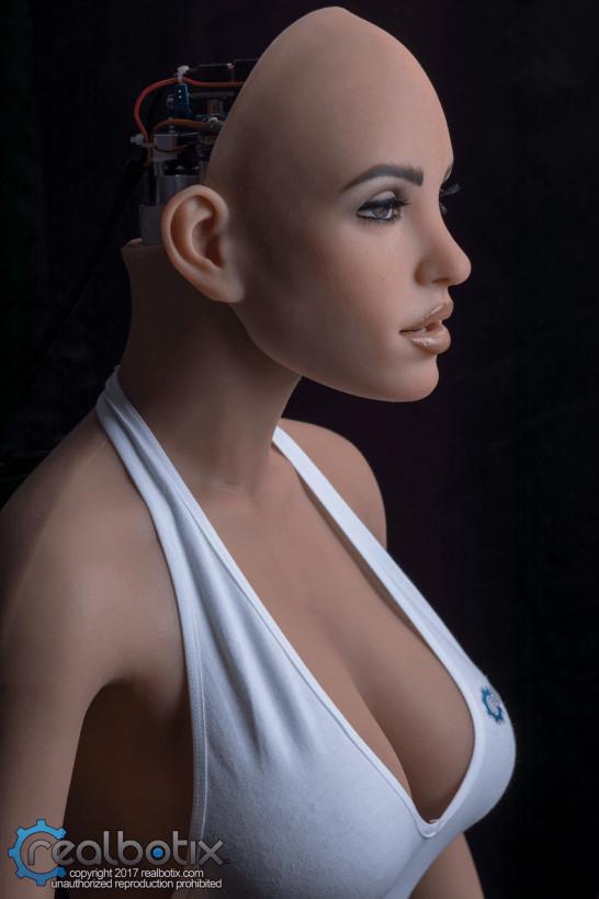 Основатель крупнейшего производителя секс-кукол RealDoll заинтересовался разработками в сфере искусственного интеллекта