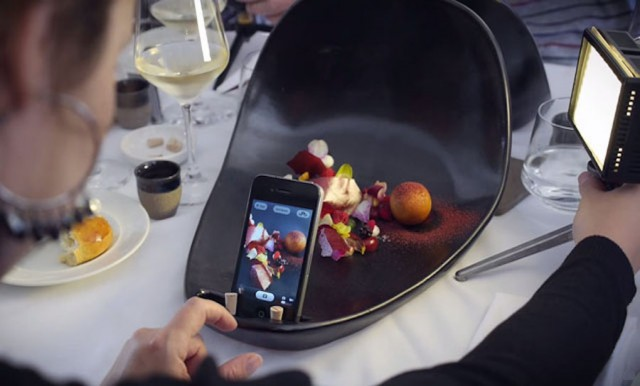 Special Plates to Take Pictures of Your Meals