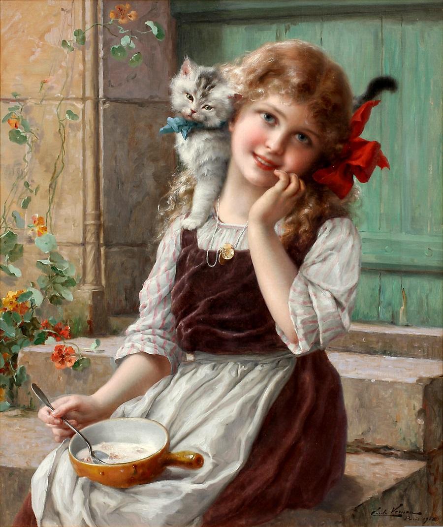 Девушка на лестнице с кошкой на плече