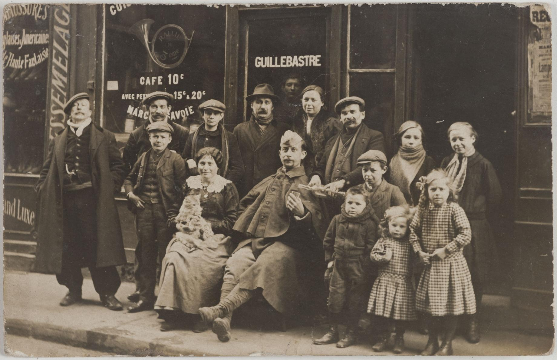1915-1920. Кафе, ресторан. Дом Гийебастре, 98, rue du Temple (3-й округ). Сейчас на этом месте импортно-экспортная компания