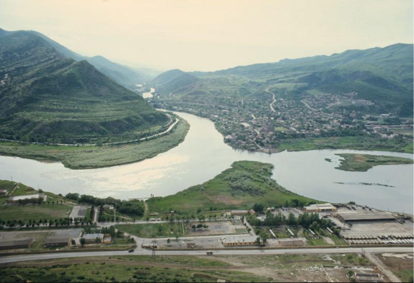 Тбилиси. Вид на город и окружающую местность