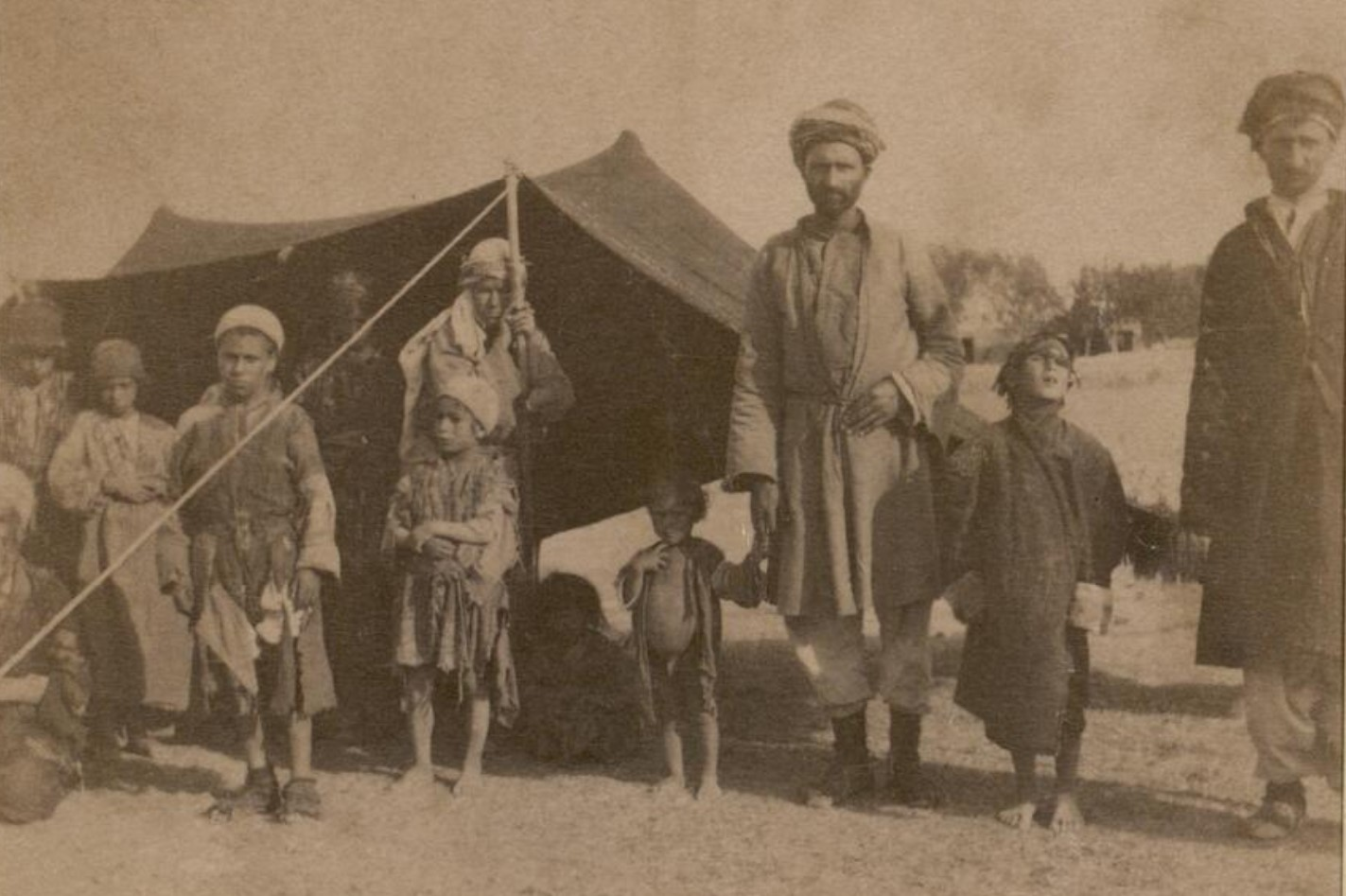 15. Окрестности Эривани. Курды