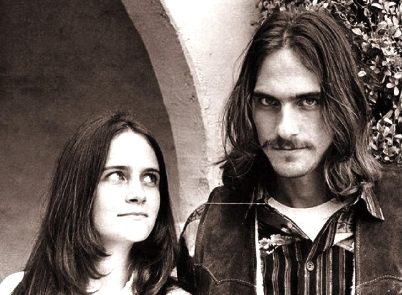 1968. Джеймс и его сестра Кейт Тейлор