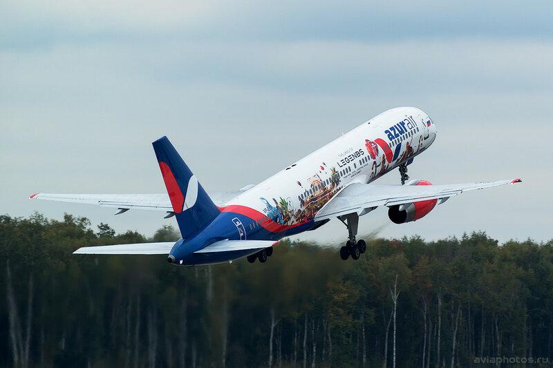 Boeing 757-28A (VP-BLV) Azur Air 0155_D805548