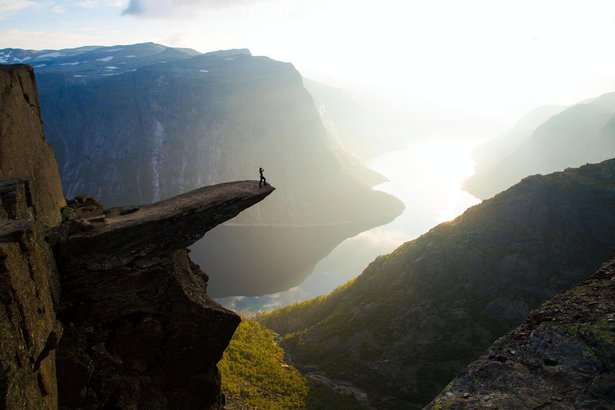 Колодец Тора, США    Природную воронку диаметром 5 метров в про