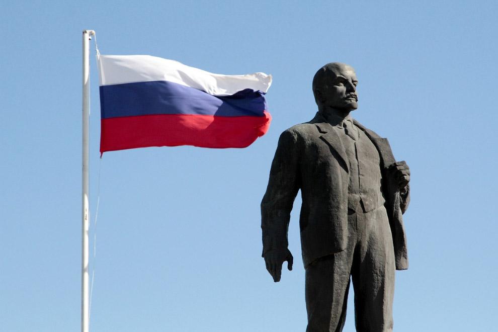 15. И еще один Ленин из Крыма. (Фото Pavel Rebrov | Reuters):