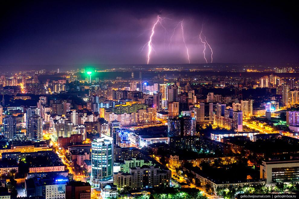 74. В Екатеринбурге действует более 10 строительных компаний, способных возводить высотные здания. Э