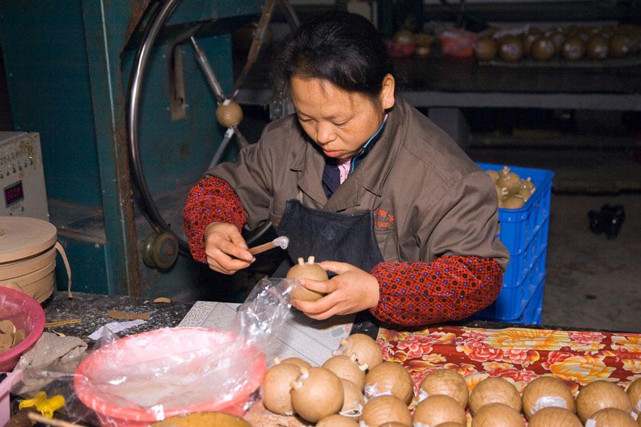 Как делают китайские фейерверки