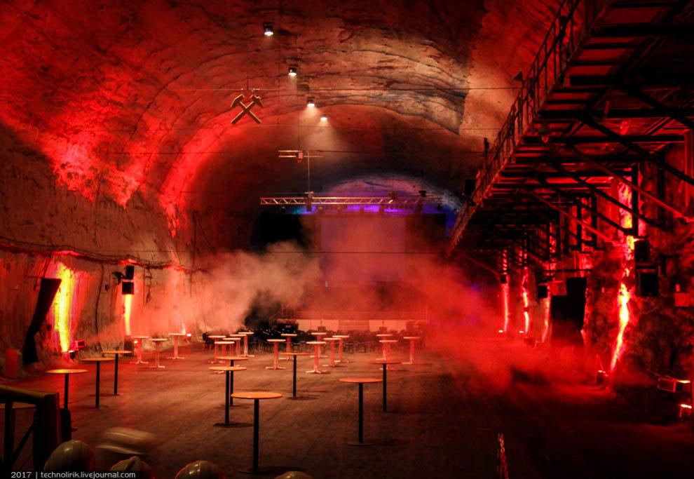 20. Данная полость примечательна самым большим в мире подземным многоковшовым экскаватором. Конечно,