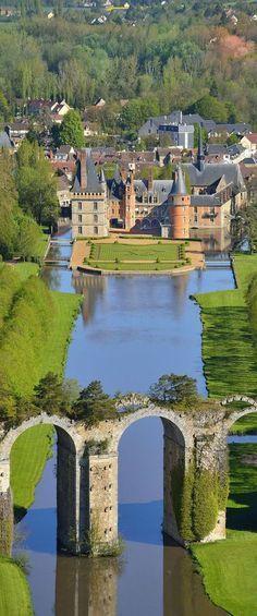 Chateau de Maintenon, France.jpg