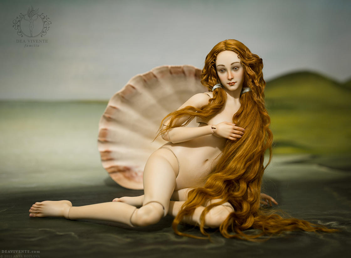 The famous Venus by Botticelli turned into a Japanese doll (12 pics)