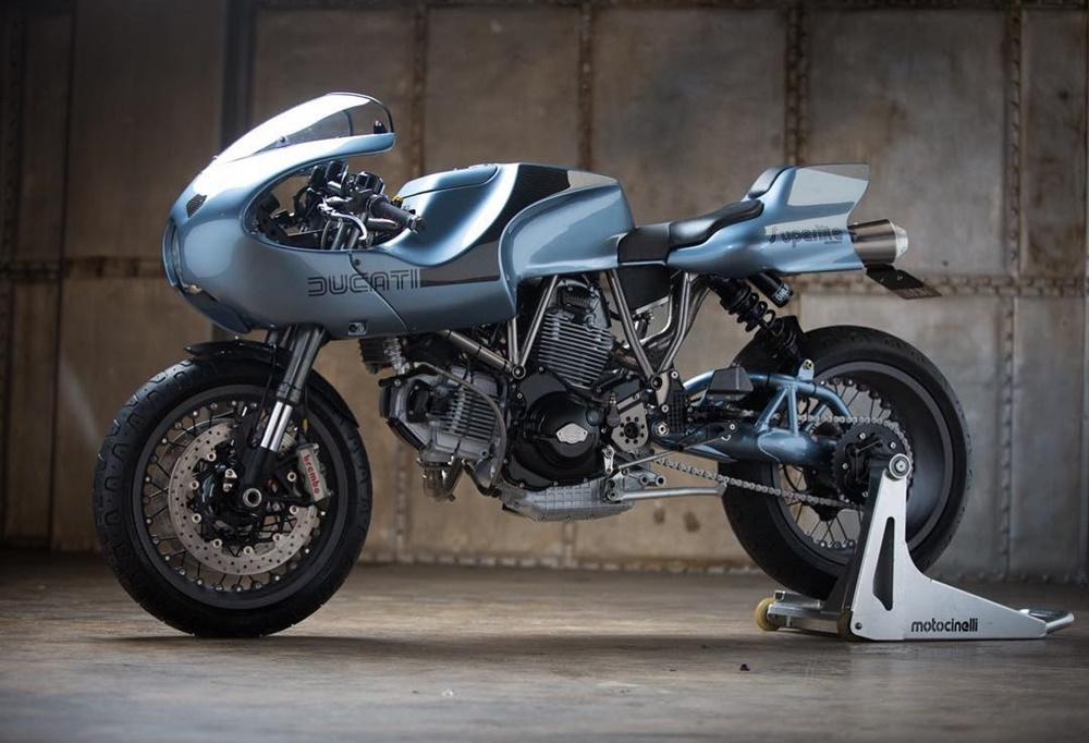 Гарет Робертс: Кафе рейсер Ducati MH900e