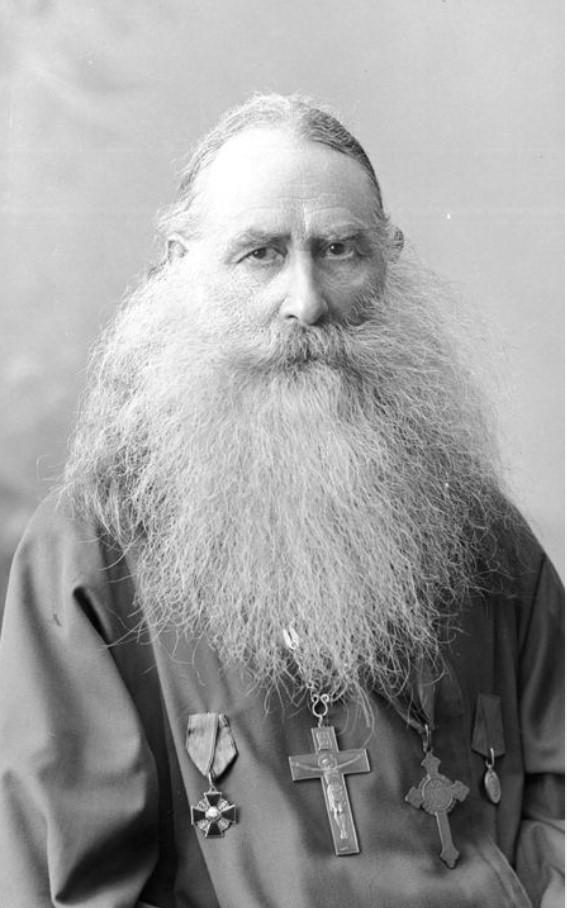 Священник Иорданский