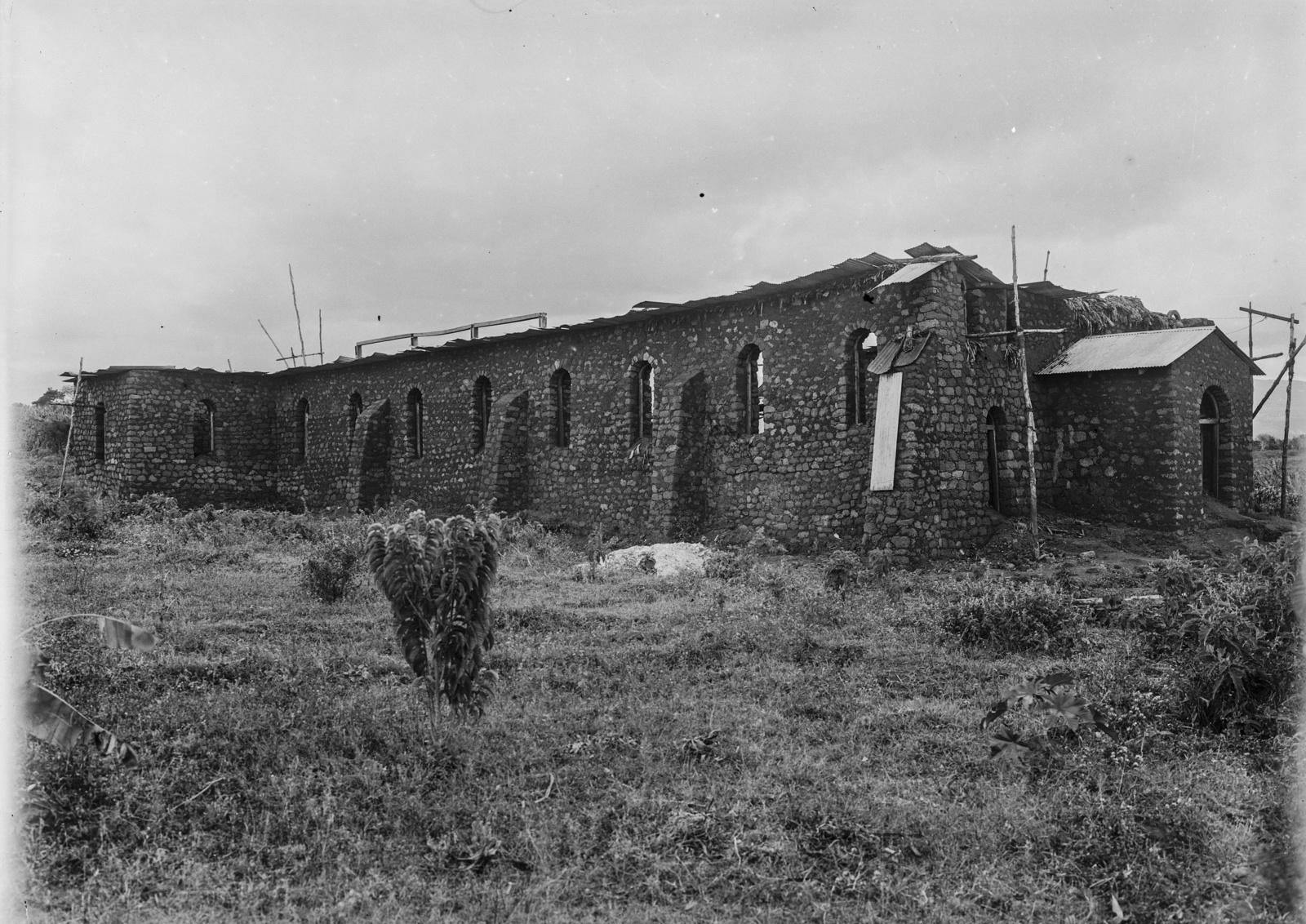 173. Строящаяся церковь