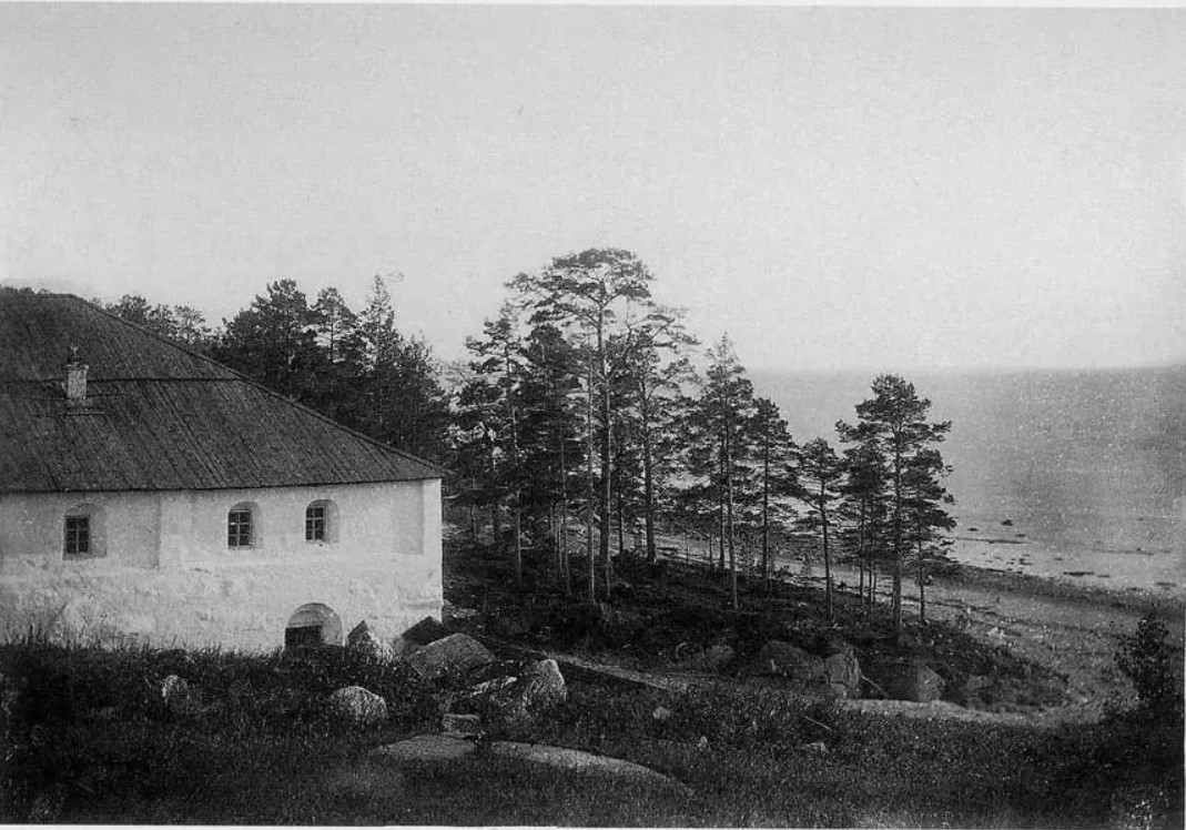 Окрестности Онеги. Кий-остров. Крестный монастырь. Вид кельи патриарха Никона с северной стороны